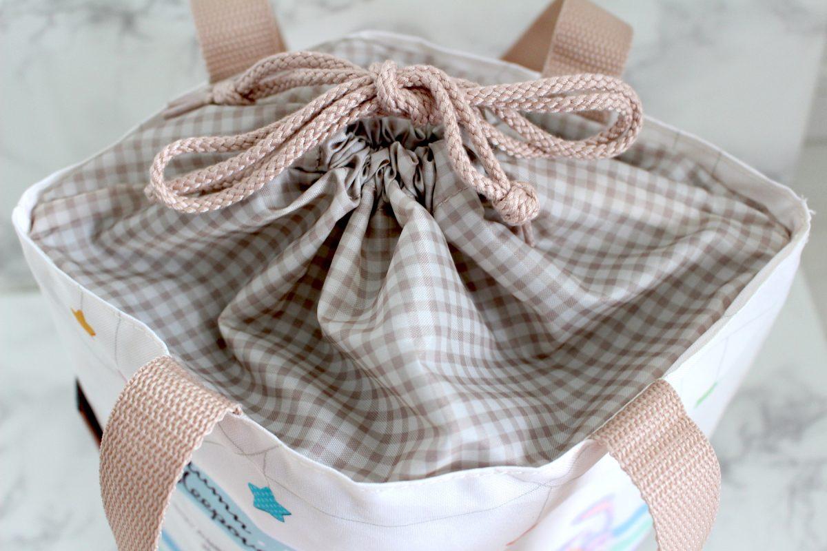 ダッフィー Autumn Sleepover スーベニアランチケース 巾着タイプ