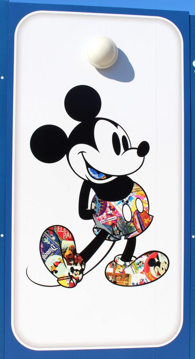 東京ディズニーランド ミッキー90周年装飾 壁2