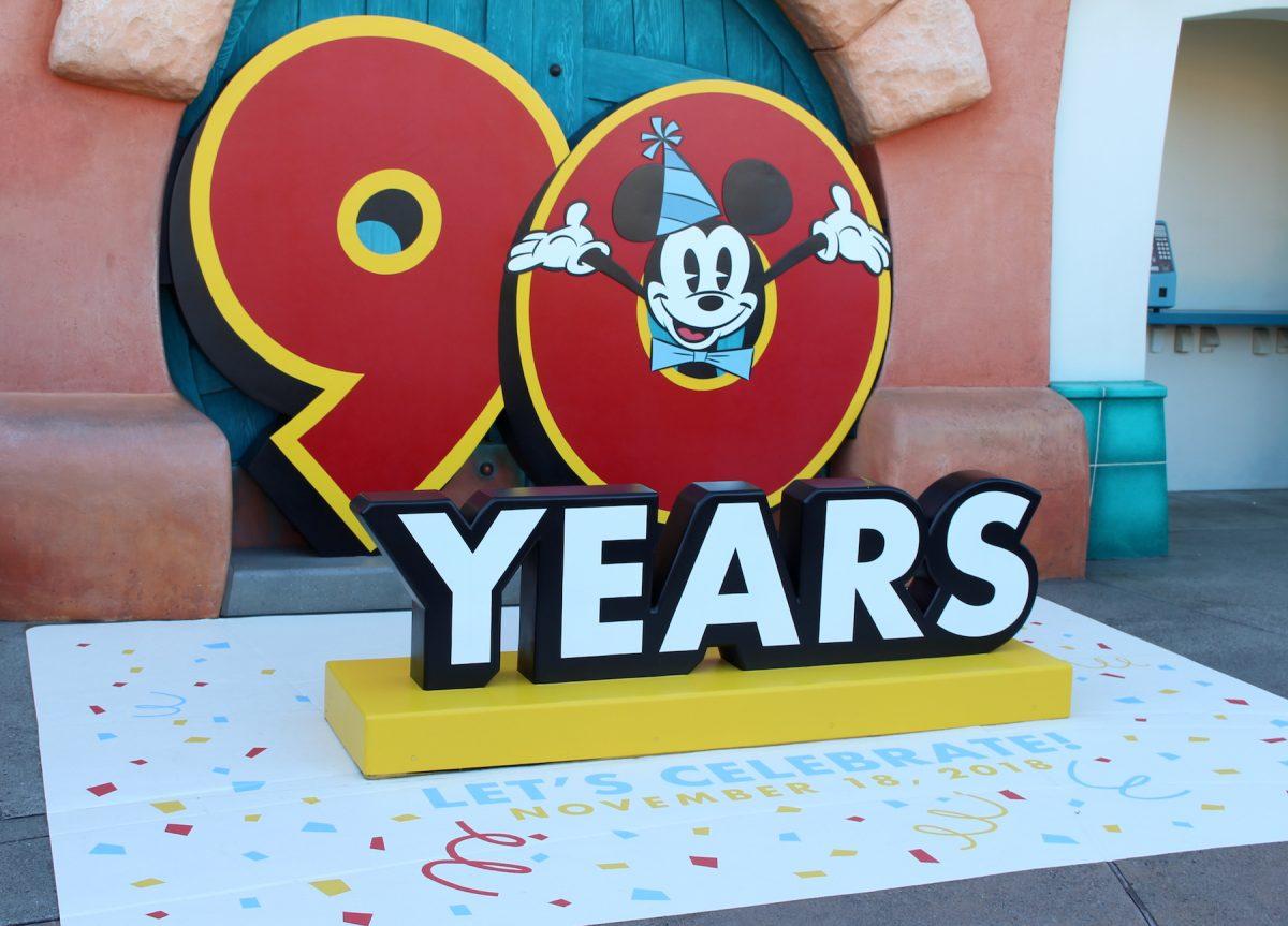 東京ディズニーランド ミッキー90周年装飾 フォトロケーション